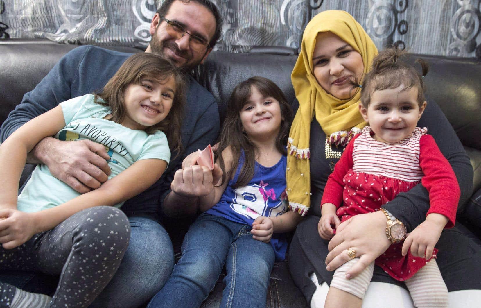 Une famille de réfugiés syriens habitant désormais en Ontario