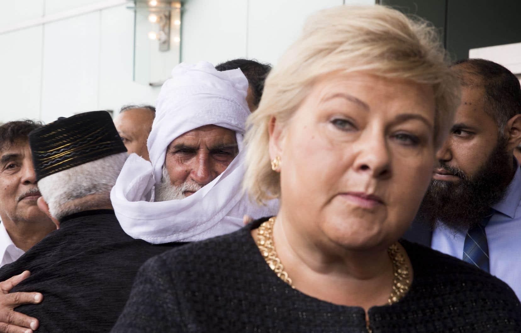 La Première ministre norvégienne, Erna Solberg, est venue dimanche à l'hôtelThon où une prière a été tenue par les membres de la mosquée Al-Noor pour le premier jour del'Aïd al-Adha.
