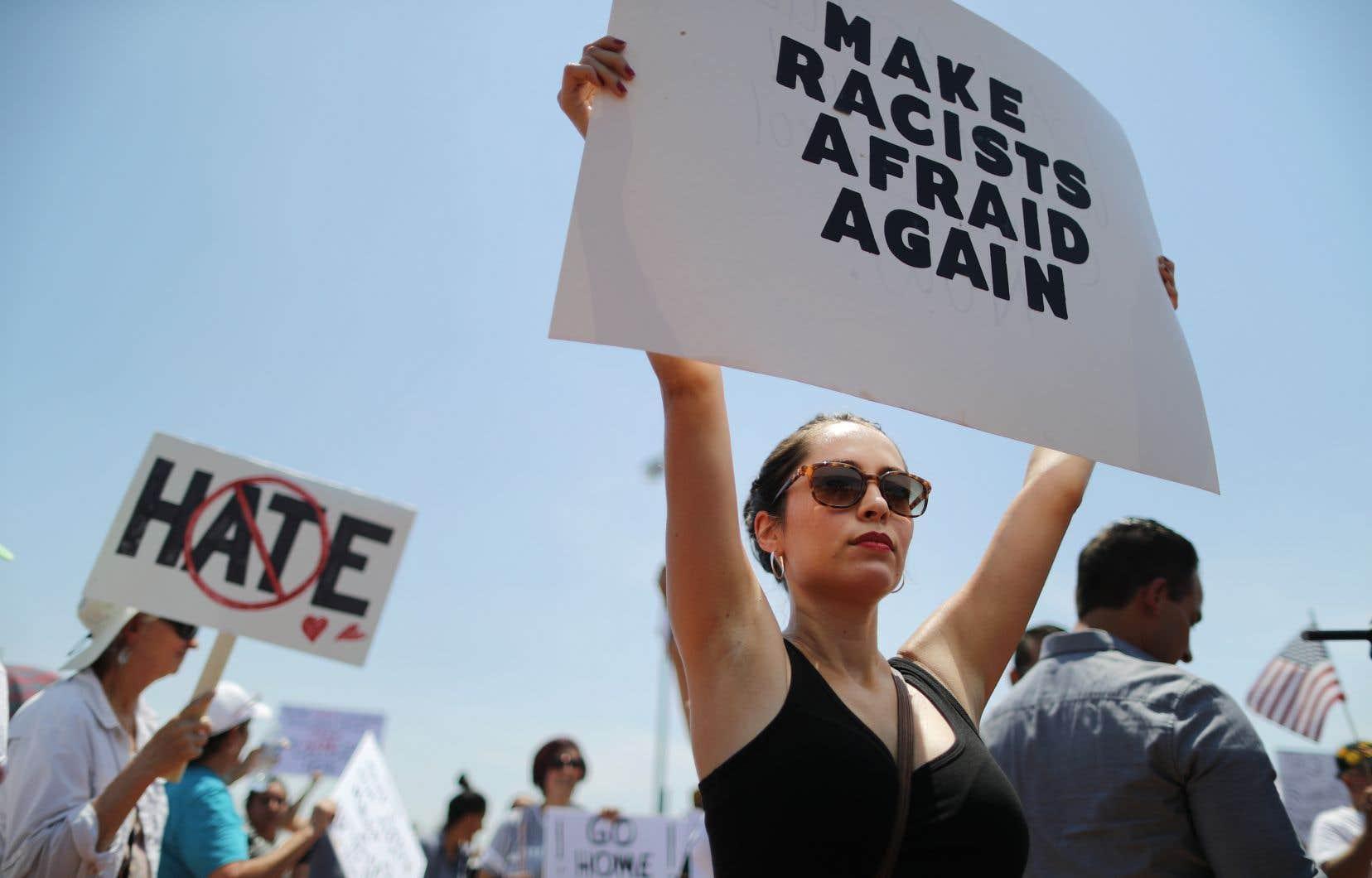 «Réduire la faute de ce genre de drame à un seul individu est une excellente façon d'éviter la question raciale qui empoisonne la vie de millions de personnes vivant aux États-Unis (et ailleurs)», estime l'auteure.