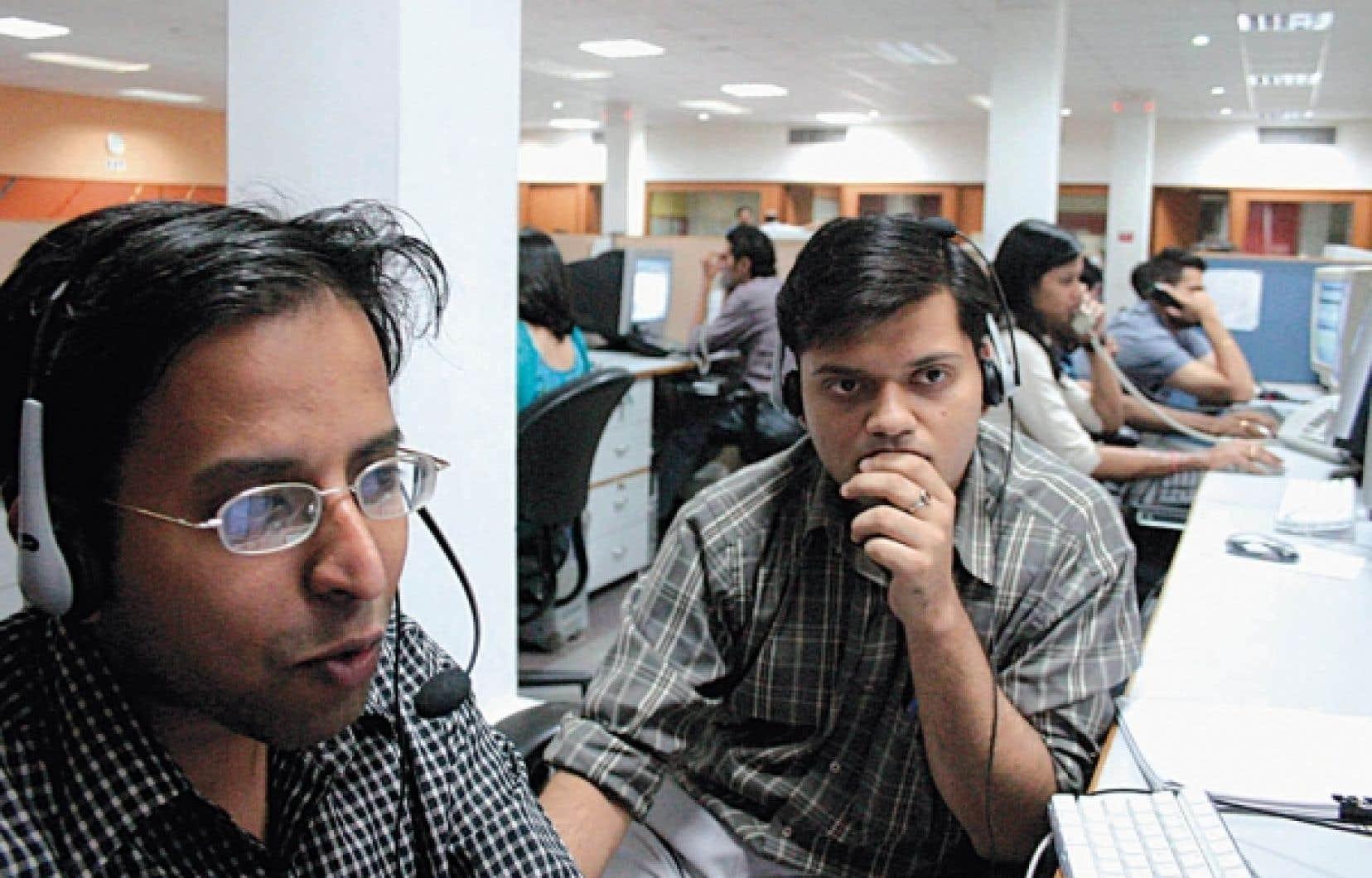 Dans un centre d'appels en Inde<br />