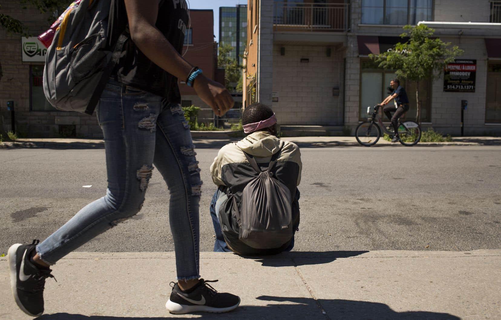 La prochaine politique fédérale est trop axée sur l'itinérance chronique au détriment des autres formes d'itinérance, affirment des organismes d'aide.