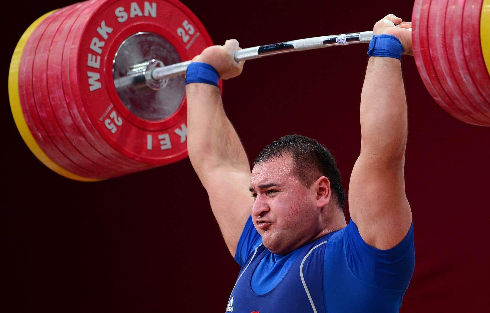 Ruslan Albegov est un double champion du monde et a remporté la médaille de bronze en juillet lors d'une épreuve test en vue des Jeux olympiques de Tokyo l'année prochaine. Il fait partie des athlètes visés par ces accusations.