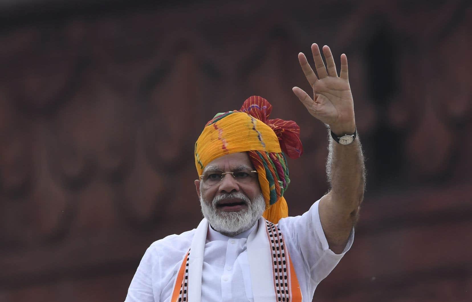 À l'occasion du Jour de l'indépendance de l'Inde, le premier ministre Narendra Modi a clamé faire oeuvre de «pionnier» dans le dossier du Cachemire.
