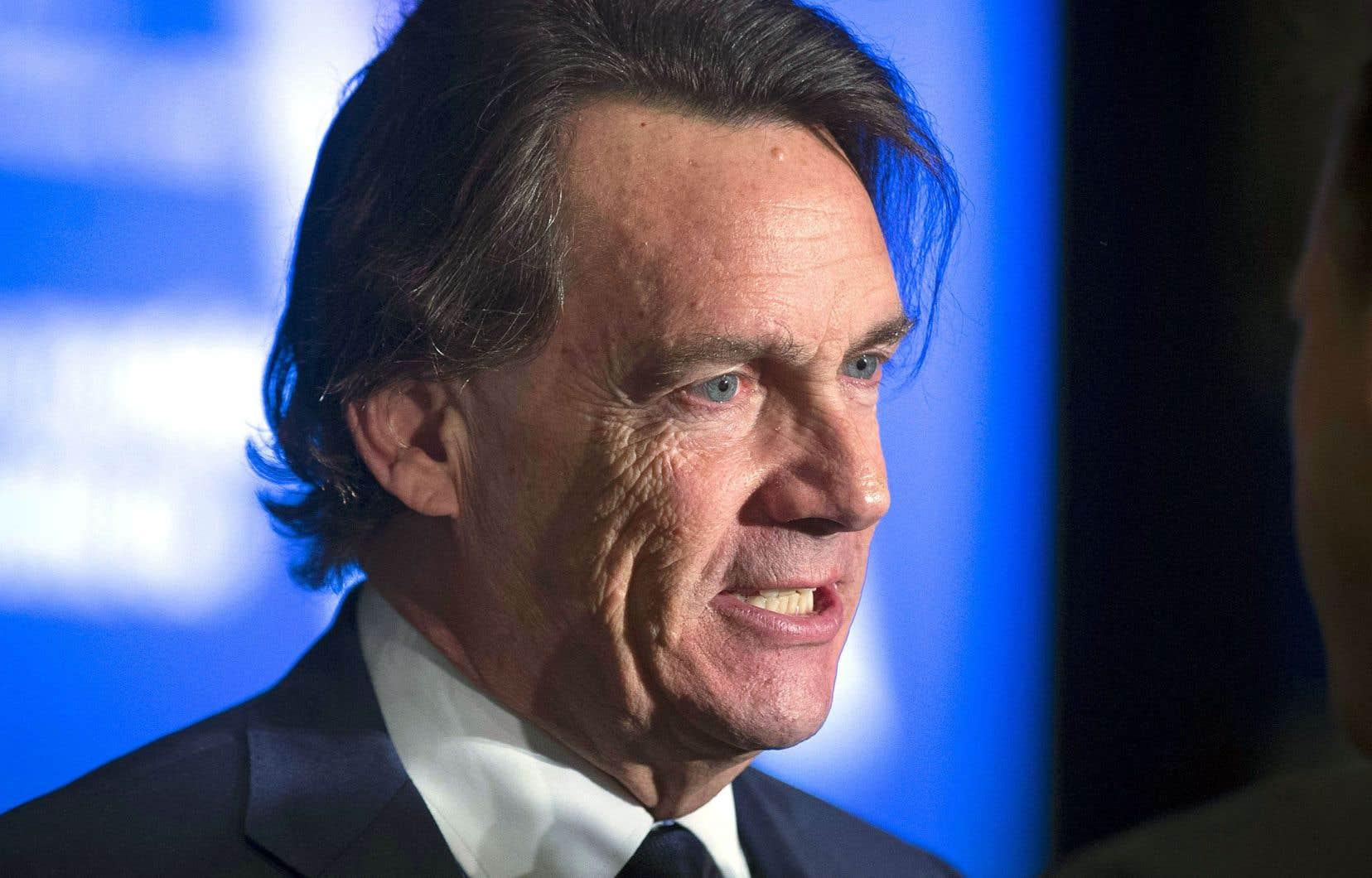 Avec la proposition d'Air Canada, Pierre Karl Péladeau anticipe une rationalisation des activités entraînant des pertes d'emplois et une éventuelle fermeture du siège social de Transat à Montréal.