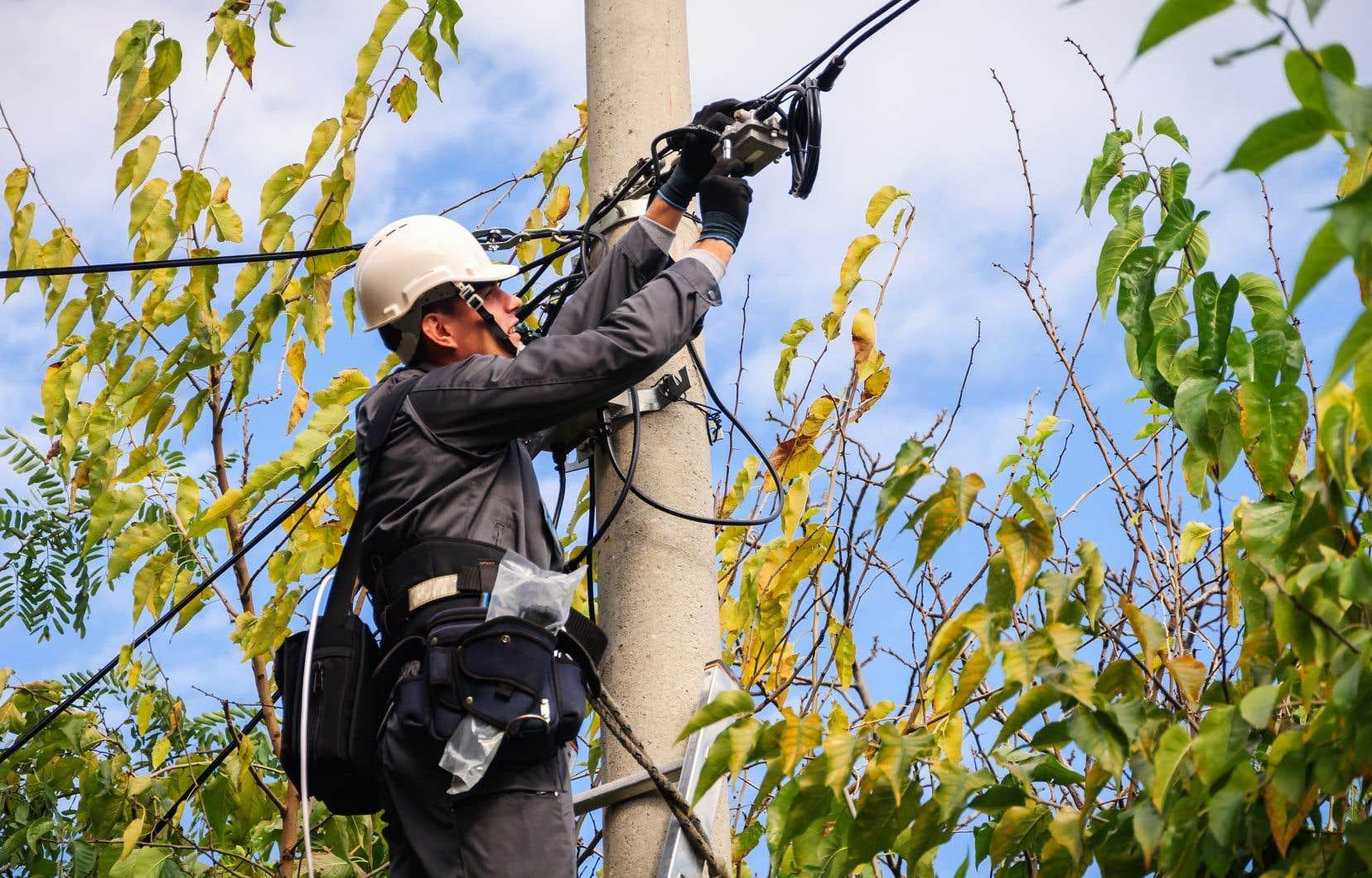 Bell a annoncé une restriction de 20% du déploiement de son service Internet à large bande pour les petites villes et les collectivités rurales.