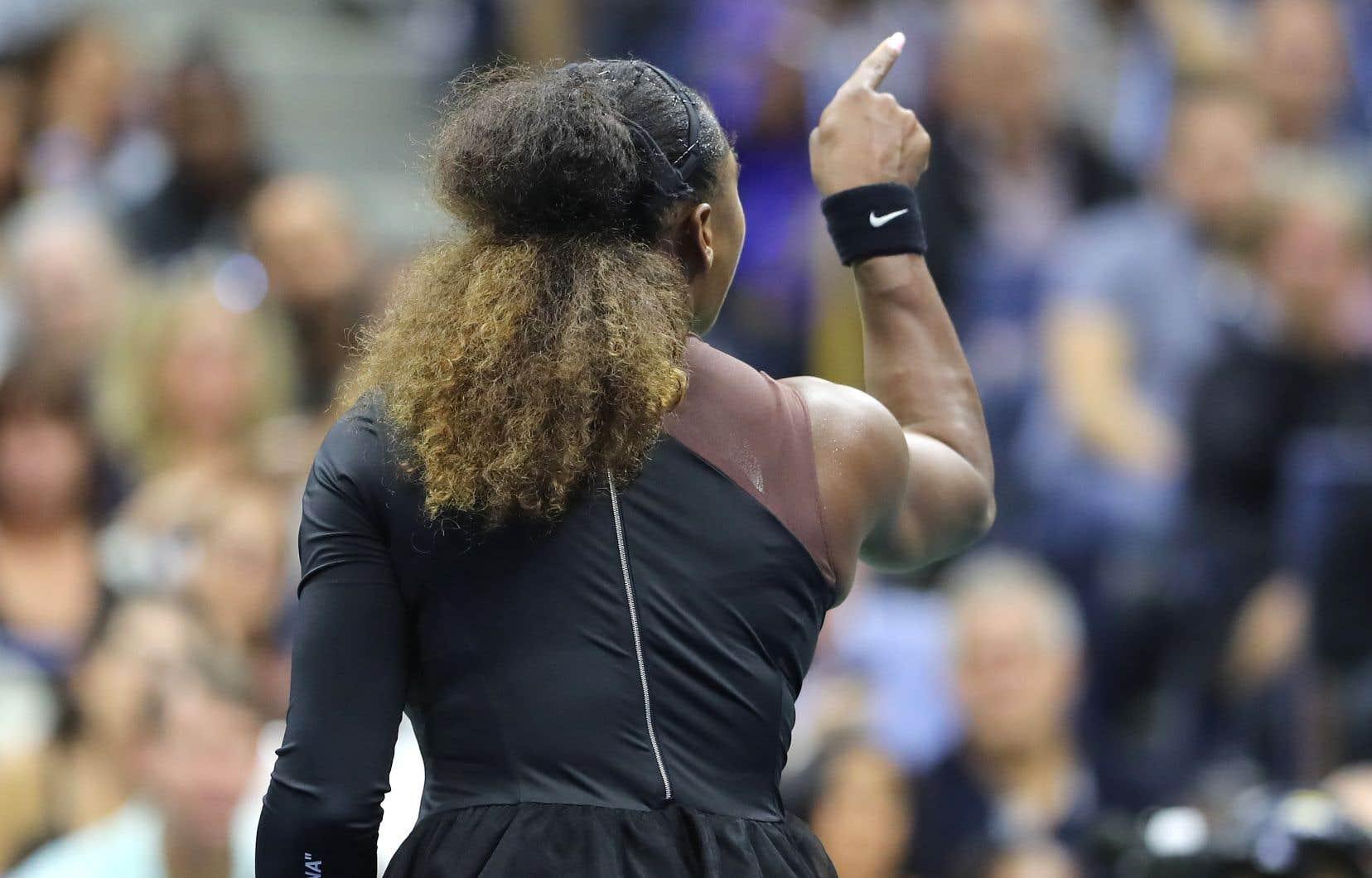 Serena Williams se dispute avec l'arbitre Carlos Ramos lors de sa finale contre la Japonaise Naomi Osaka, en septembre 2018.