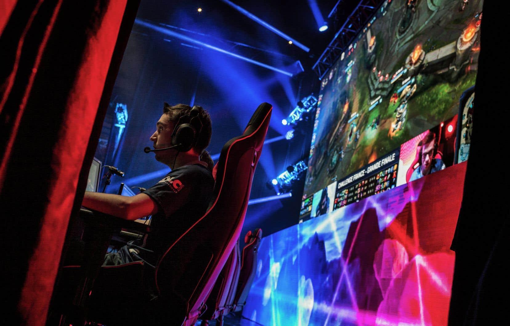 Dans les jeux les plus frénétiques, les joueurs peuvent en effet être poussés vers la sortie dès leurs 23 ans, âge à partir duquel les réflexes sont censés diminuer.