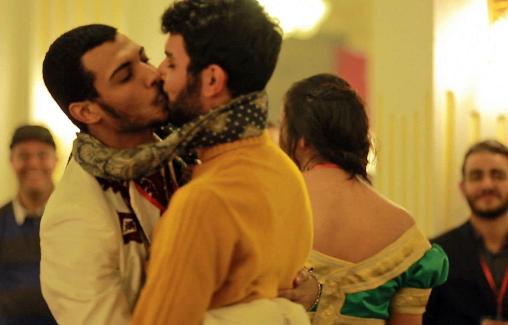 Sur une note plus sombre, «Amour et sexe au Maghreb» aborde la réalité humaine par la lorgnette des nombreux interdits qui frappent encore ces pays.