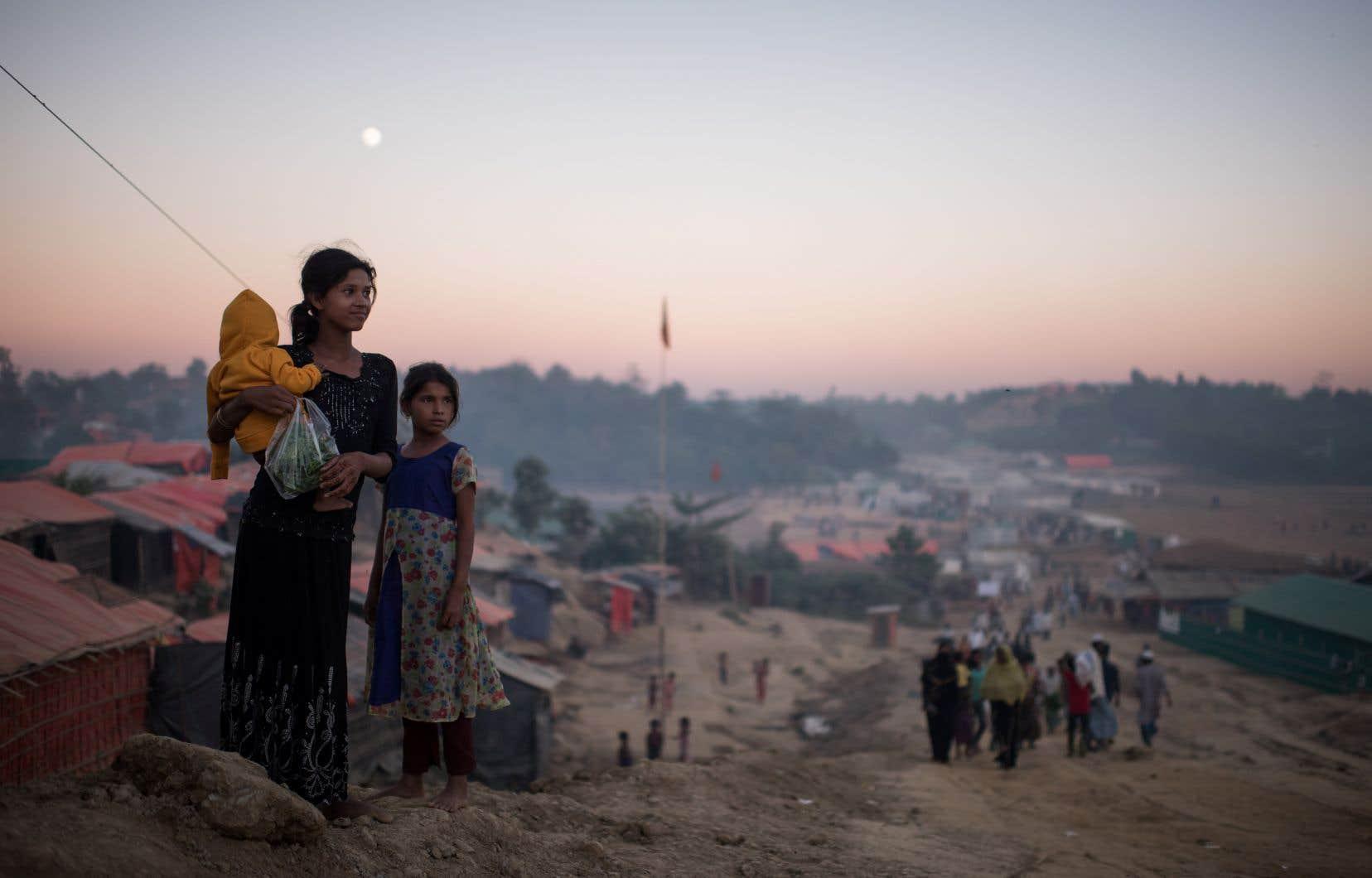 Des réfugiés rohingyas dans le camp de Cox's Bazar, dans le sud du Bangladesh