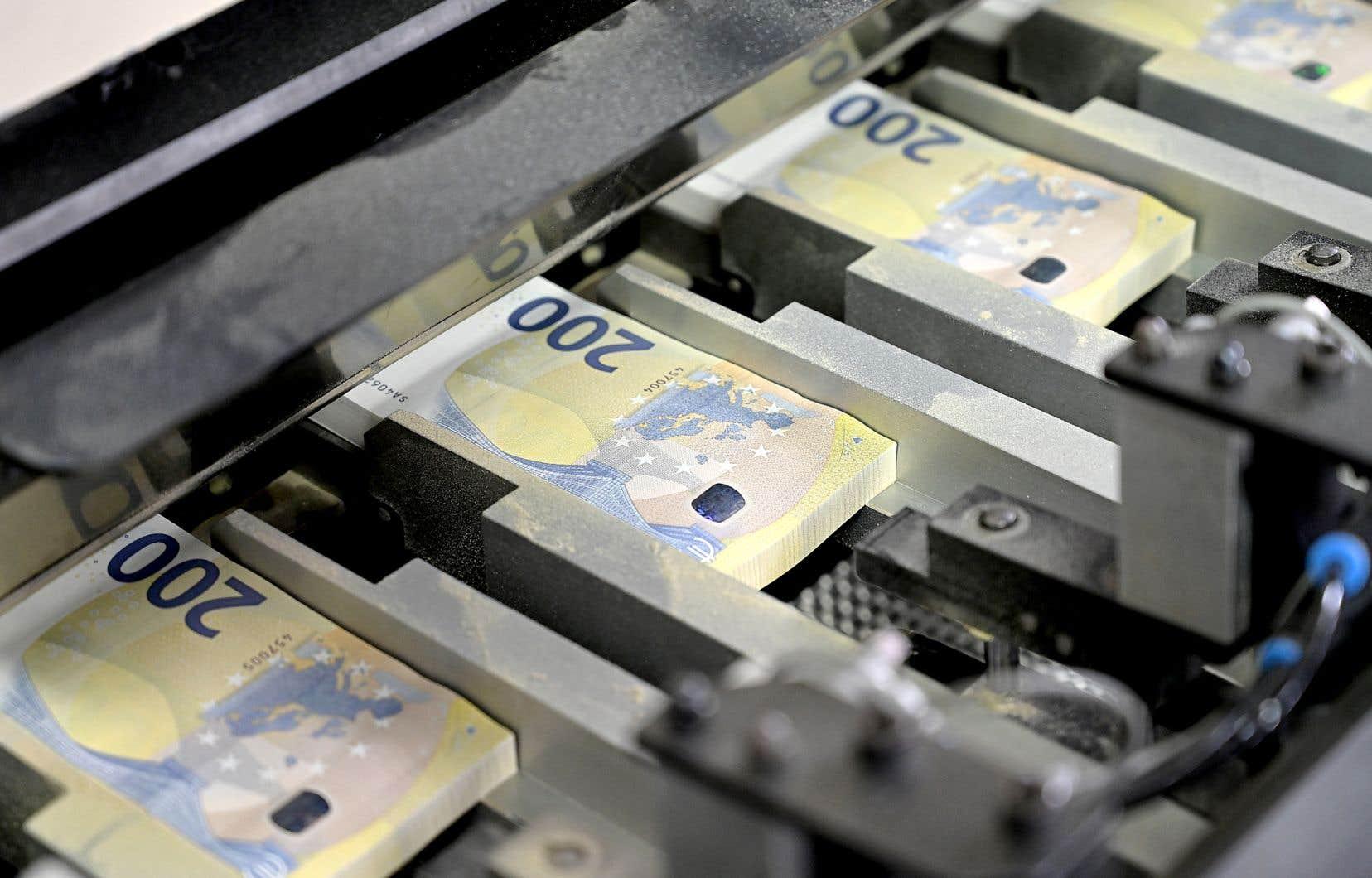 En juin, l'Autriche, qui avait annoncé en 2017 le succès d'un premier emprunt historique de 3,5 milliards d'euros à 100 ans, a récidivé en levant 1,25 milliard d'euros.