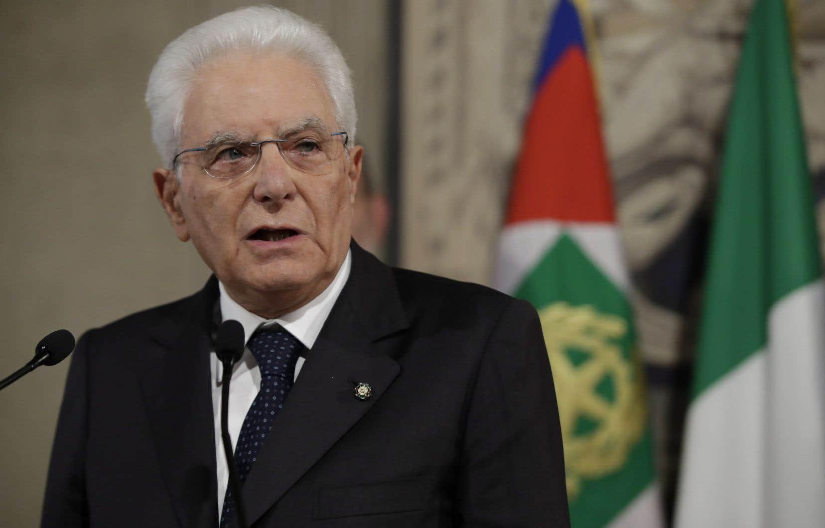 Le président Sergio Mattarella donne jusqu'à mardi aux formations politiques pour s'entendre sur une nouvelle majorité.