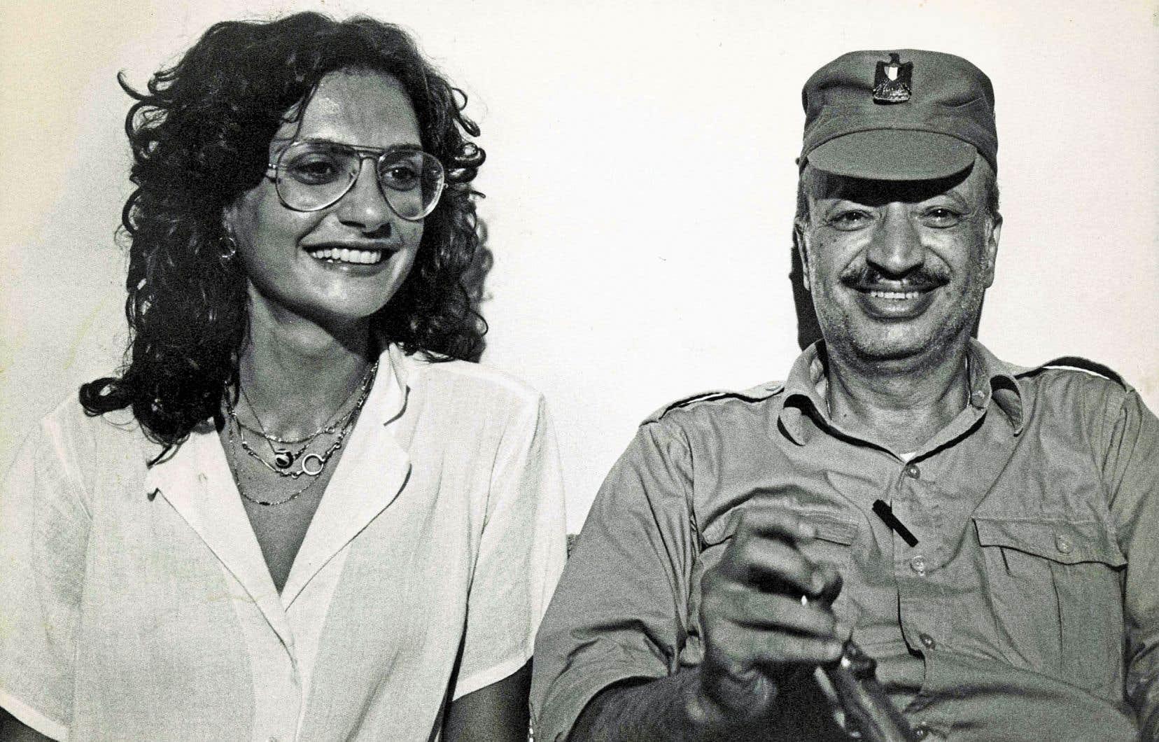 Dominique Roch avec Yasser Arafatà Tripoli au Liban en novembre 1983 durant le siège des loyalistes palestiniens par des forces adverses pro syriennes.