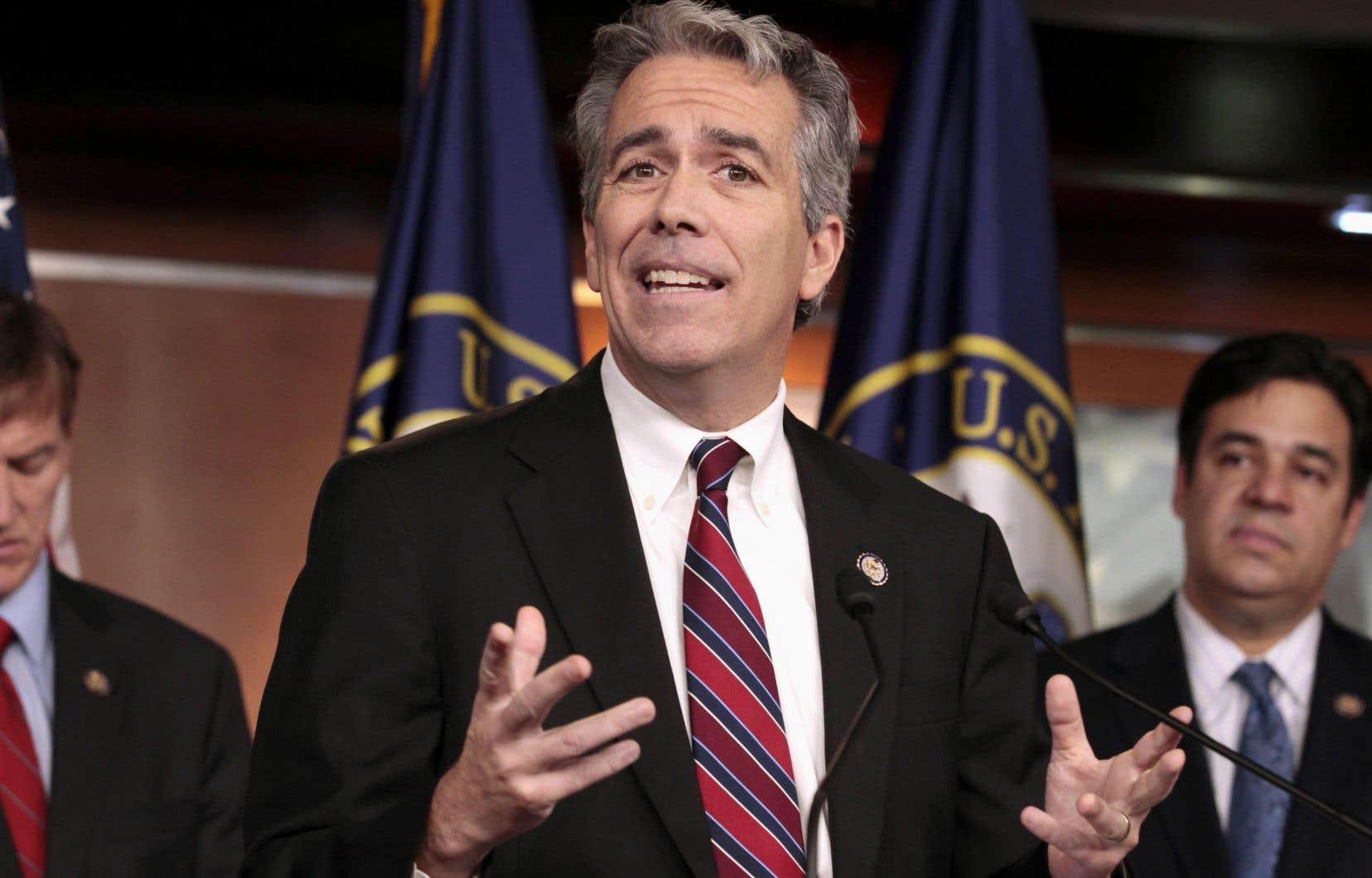 Le nouveau candidat s'appelle Joe Walsh et fut élu au Congrès en 2010 pour un seul mandat.
