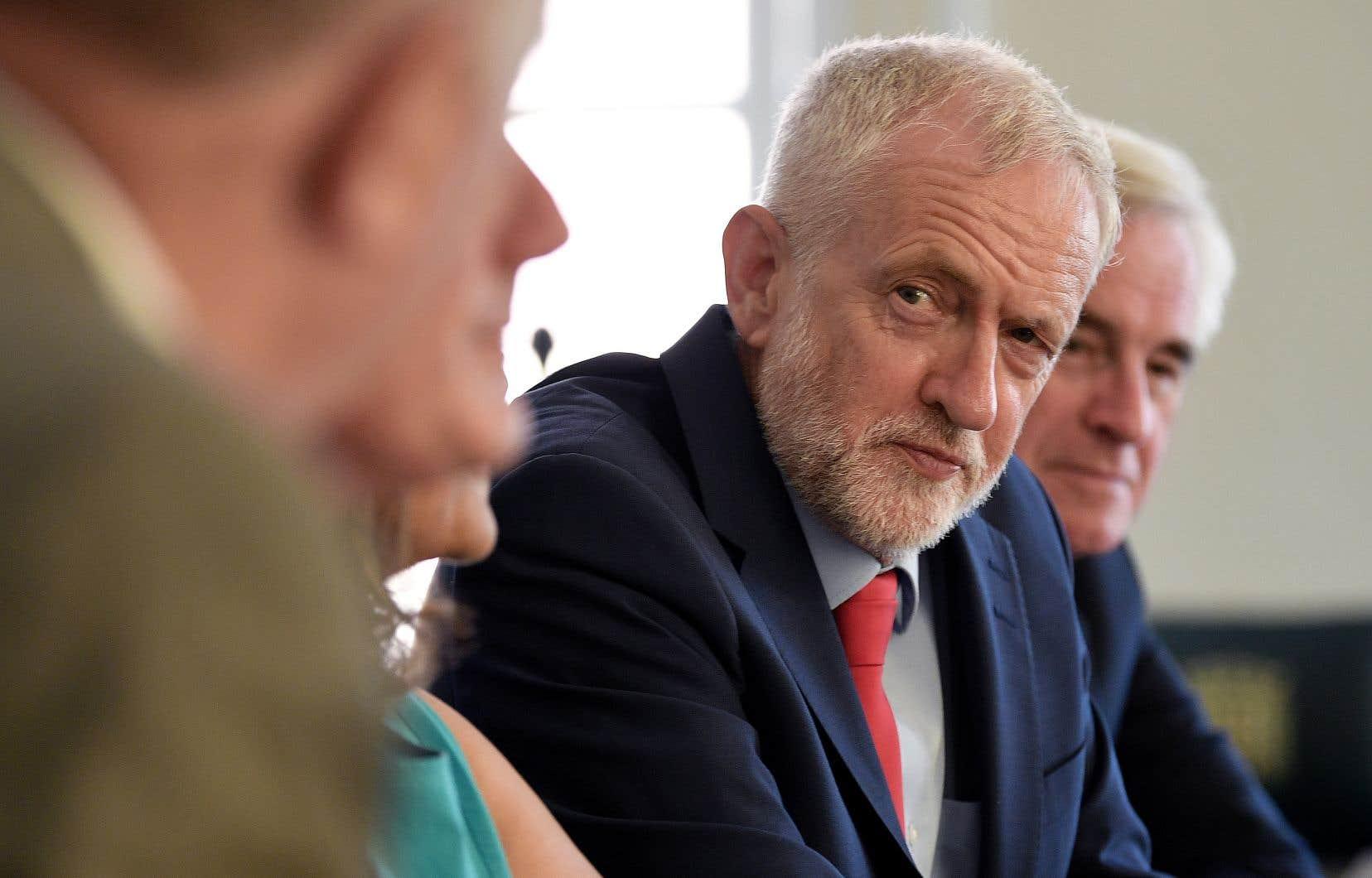 Le Labour, avec à sa tête Jeremy Corbyn (notre photo), estime que privilégier un rapprochement avec les États-Unis plutôt qu'un accord mettrait le royaume sous le joug de Trump au lieu de lui rendre sa souveraineté.