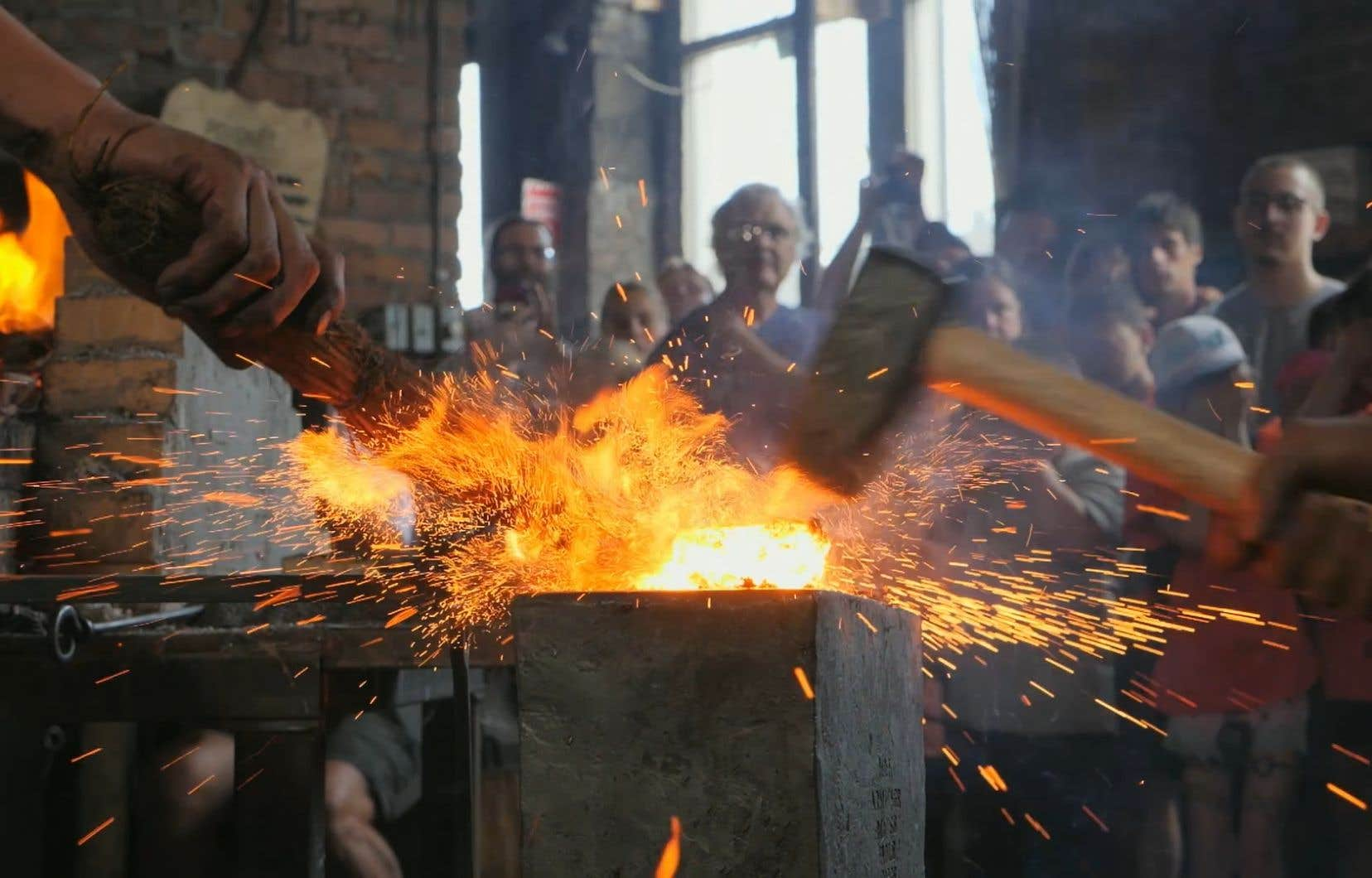 Le documentaire québécois «Fondations» se penche sur le travail passionné du forgeron Mathieu Collette.