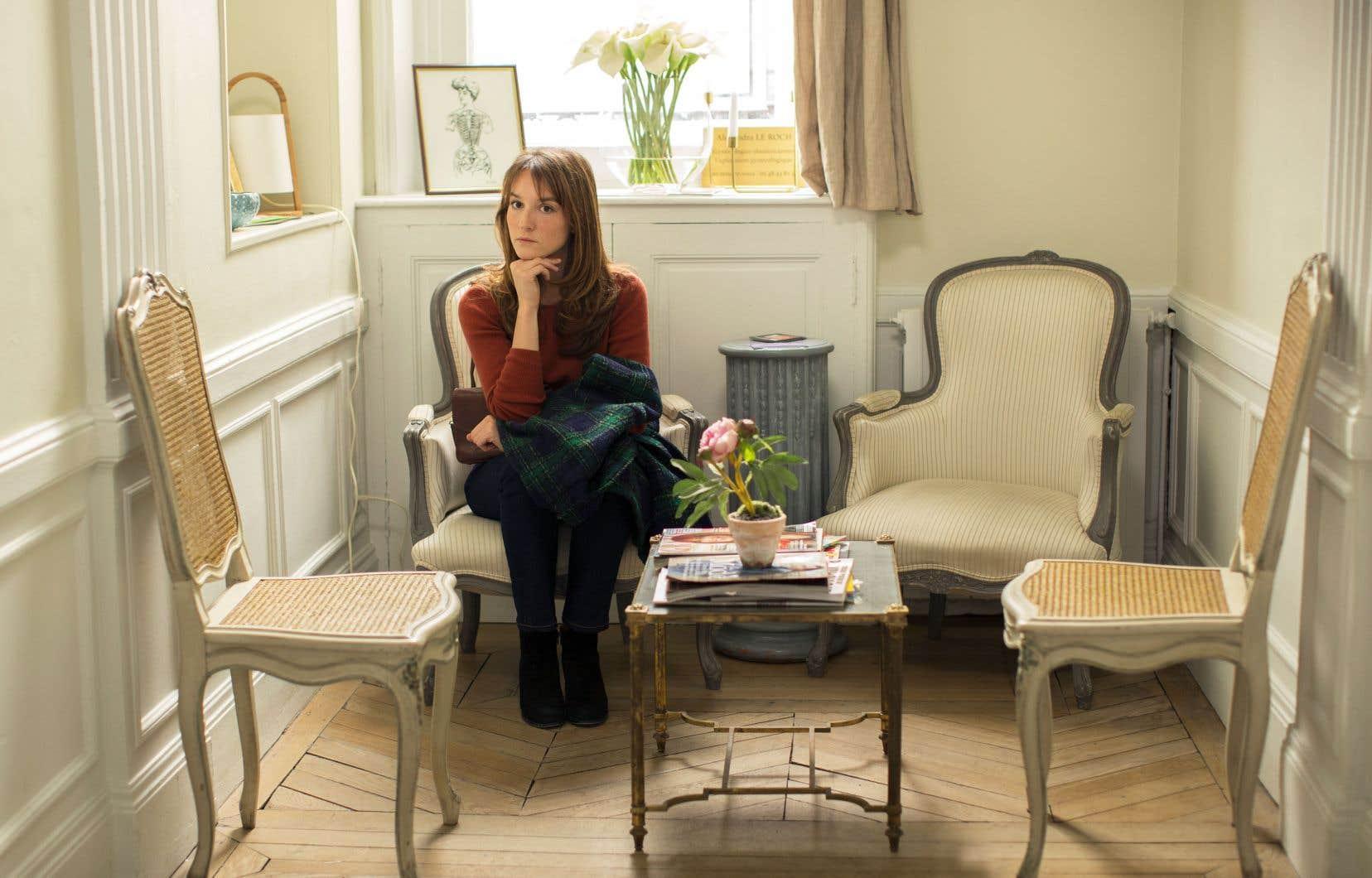Cette série raconte les destins croisés de cinq Parisiennes d'âges et d'origines divers.