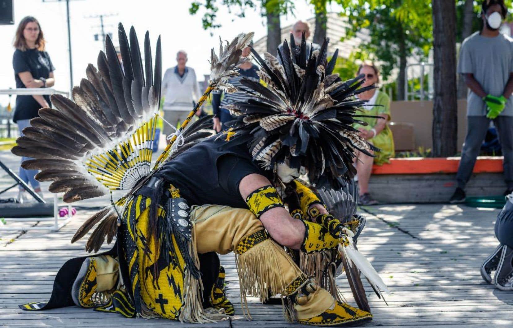 «My Urban Nature»emprunte notamment à la danse traditionnelle autochtone, à la danse contem-poraine, au ballet et au hip-hop.