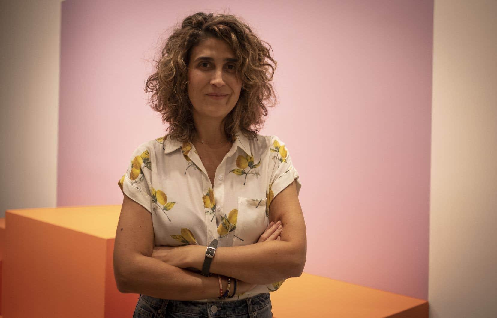 Trente ans après le début de cette exposition  (appelée Mois de la photo jusqu'en 2017, puis Momenta), c'est la première fois que son commissariat est confié  à une Latino-Américaine, en l'occurence María Wills Londoño.