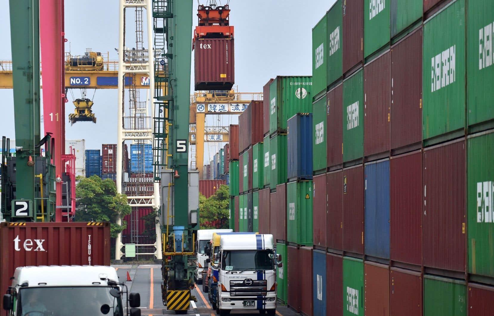 L'OCDE signale que les exportations des pays du G20 se sont contractées de 1,9 %, et les importations de 0,9 %.