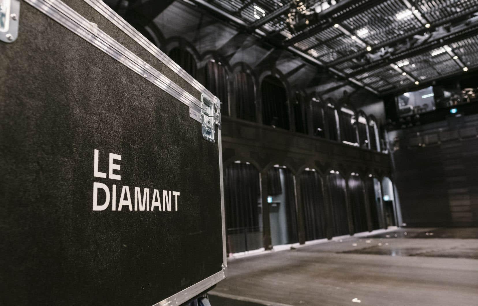La salle multifonctionnelle du complexe a été conçue pour accueillir des spectacles de différents formats et styles.