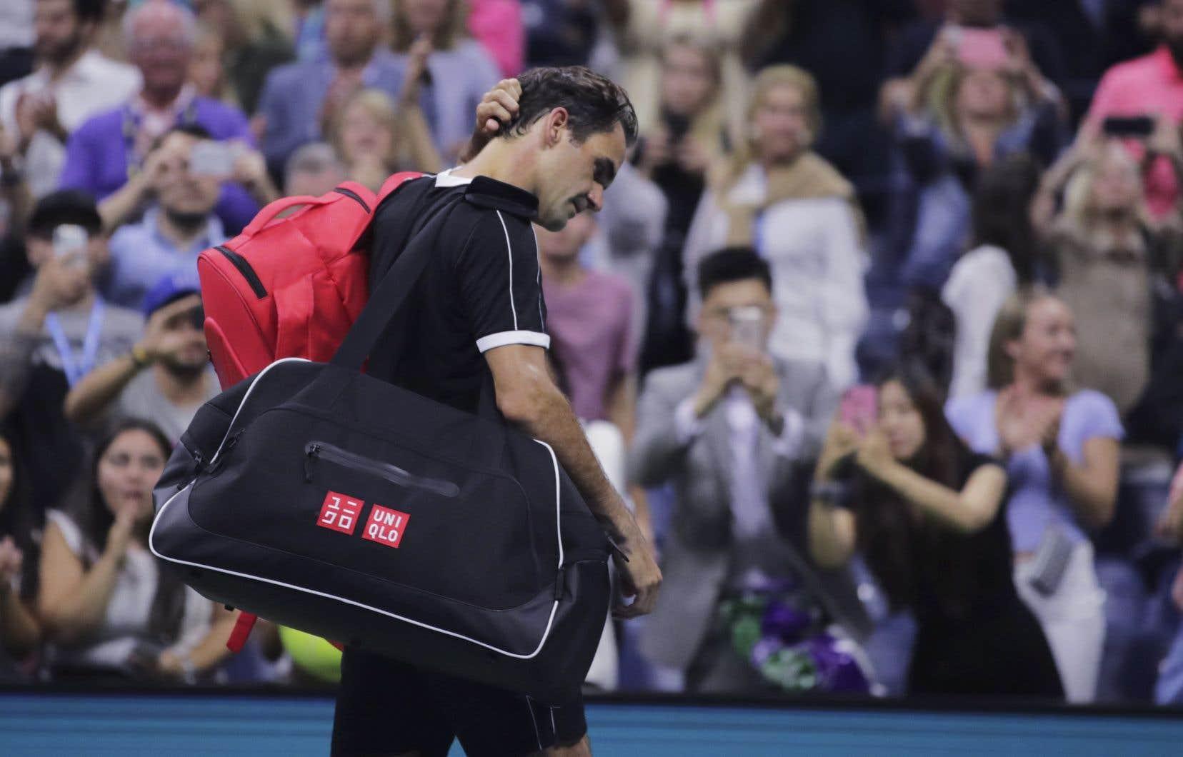 Avec une avance de 5-2 et face à un Federer qui semblait à court d'énergie, Dimitrov a gagné les quatre points à son service, le dernier sur un coup droit du Suisse hors limite pour mériter son billet en demi-finale.