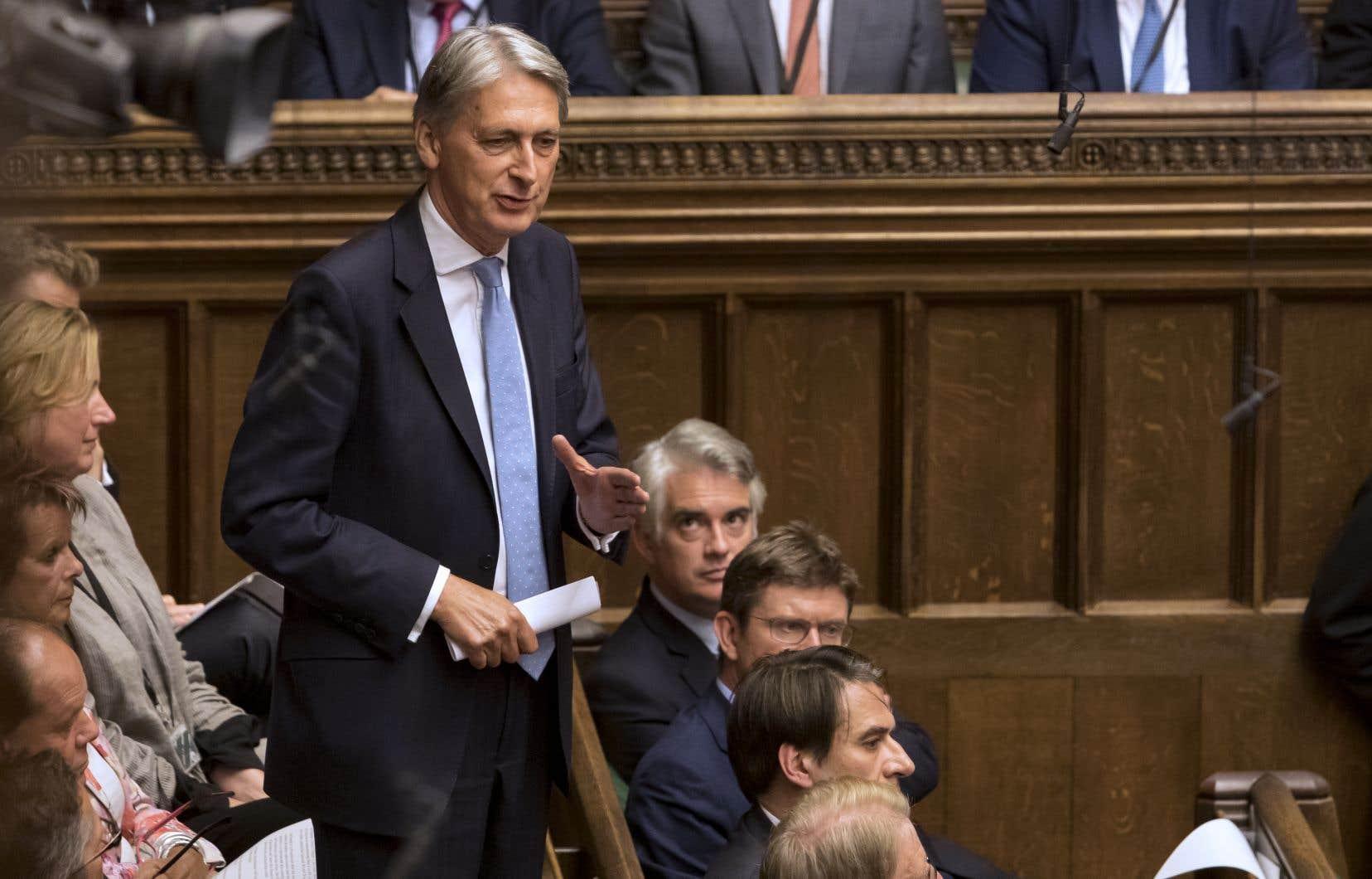 Philip Hammond, jusqu'à récemment chancelier de l'Échiquier (ministre de l'Économie), compte parmi les poids lourds qui ont été expulsés du parti par Boris Johnson.
