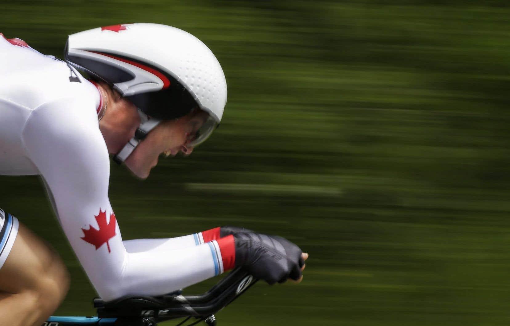 Cette saison, Hugo Houle s'est signalé en finissant au cinquième échelon du classement cumulatif de la course arctique de Norvège.
