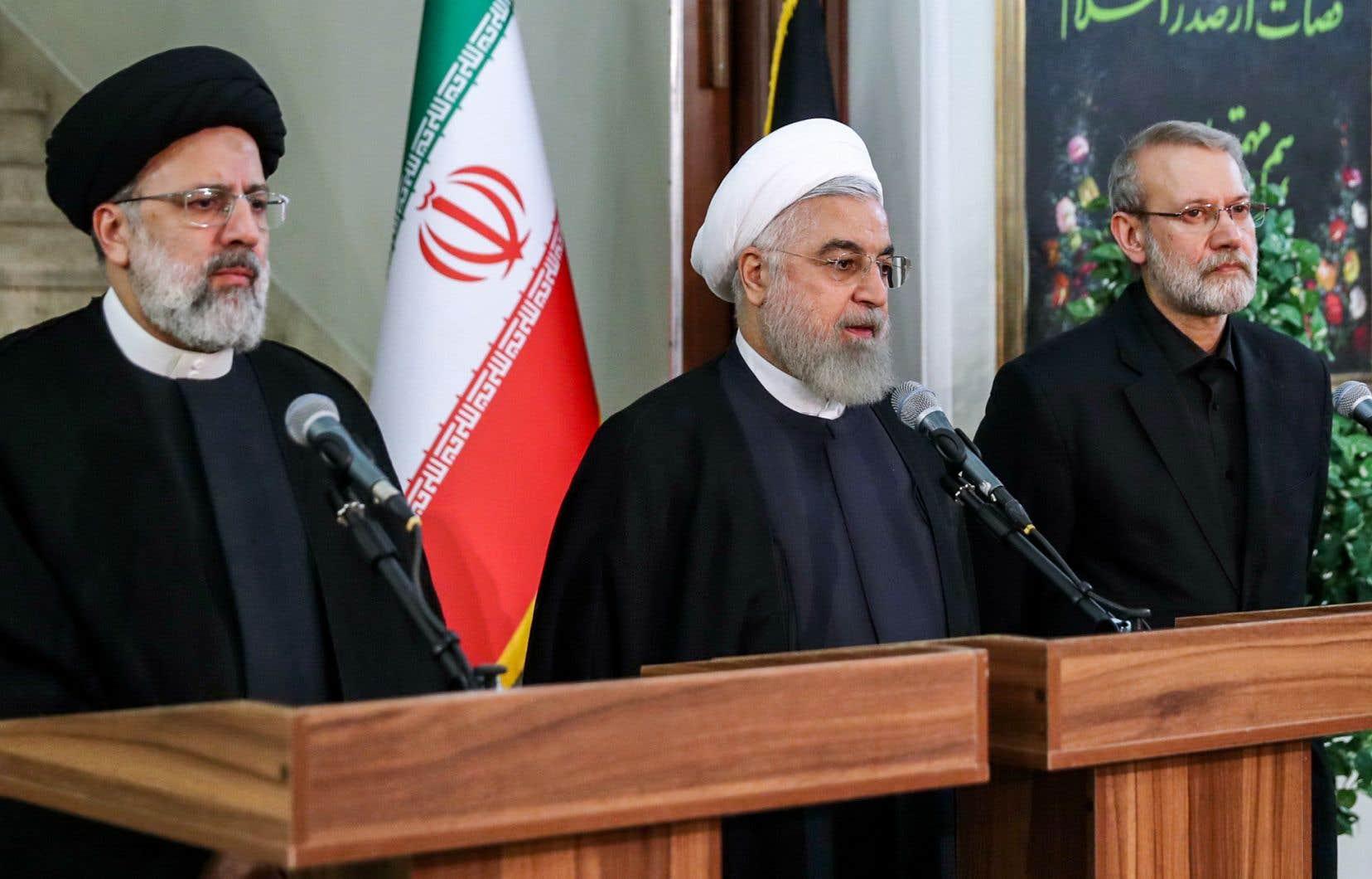 Le président iranien Hassan Rohani (au centre) souhaite doter le pays de tout ce dont il a «besoin pour l'enrichissement» de l'uranium.
