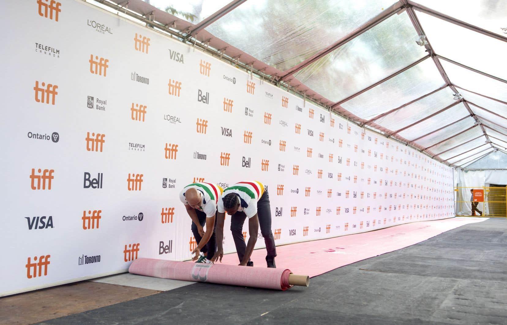 Meryl Streep, Tom Hanks, Daniel Craig, Jennifer Lopez, Russell Crow, Nicolas Cage, Renée Zellweger et Chris Young figurent parmi la longue liste de célébrités qui défileront sur le tapis rouge du Festival international du film de Toronto cette année.