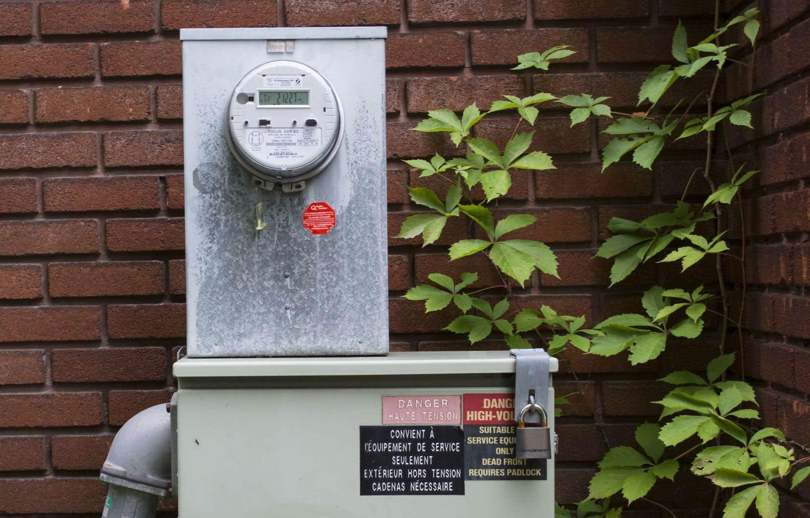 Depuis 2004, Hydro-Québec dépose annuellement un dossier tarifaire devant la Régie de l'énergie, notamment ses demandes pour l'année à venir.
