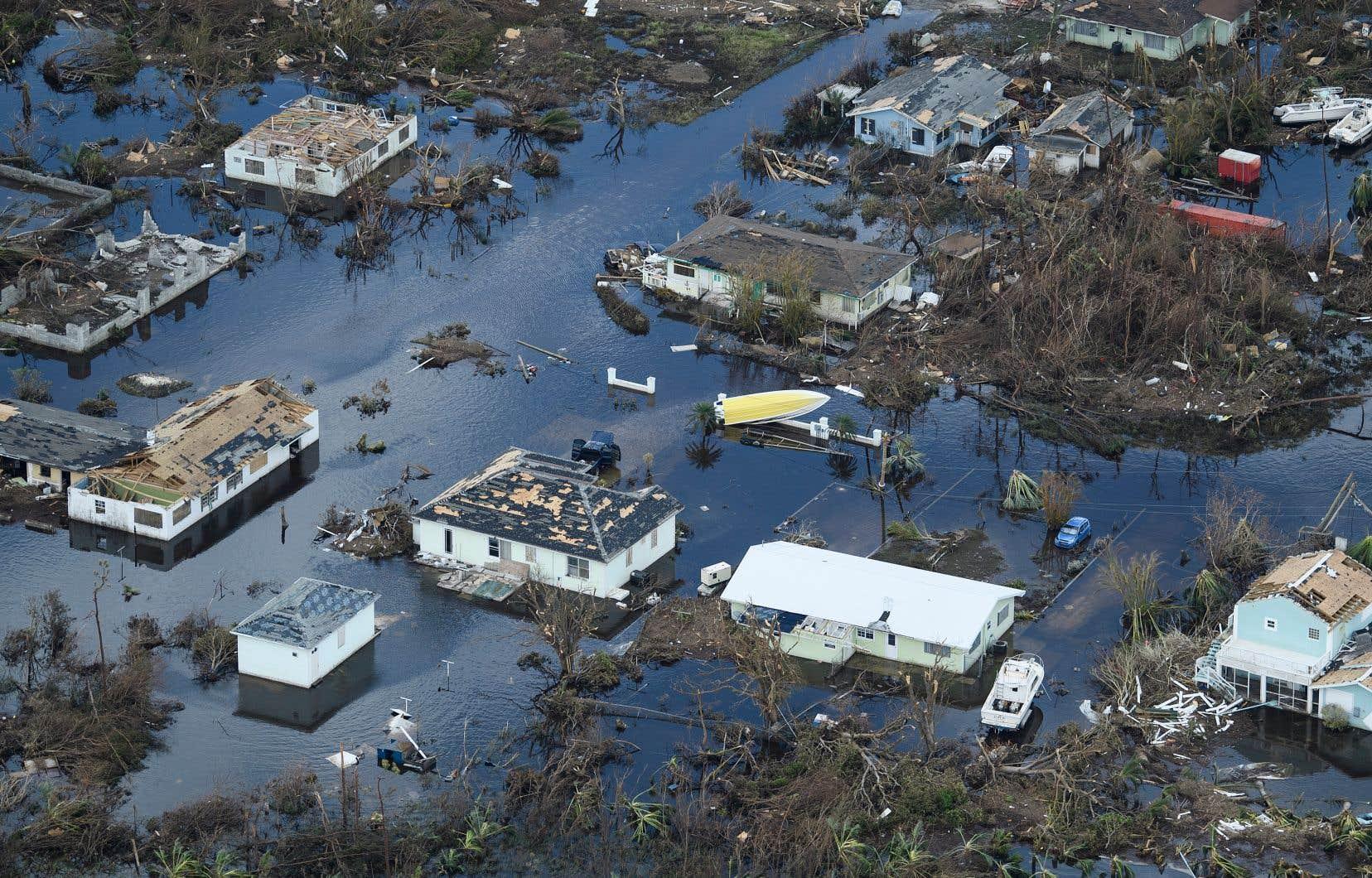 Vue aérienne des dégâts causés par l'ouragan «Dorian» à Marsh Harbour, sur l'île de Great Abaco, aux Bahamas.