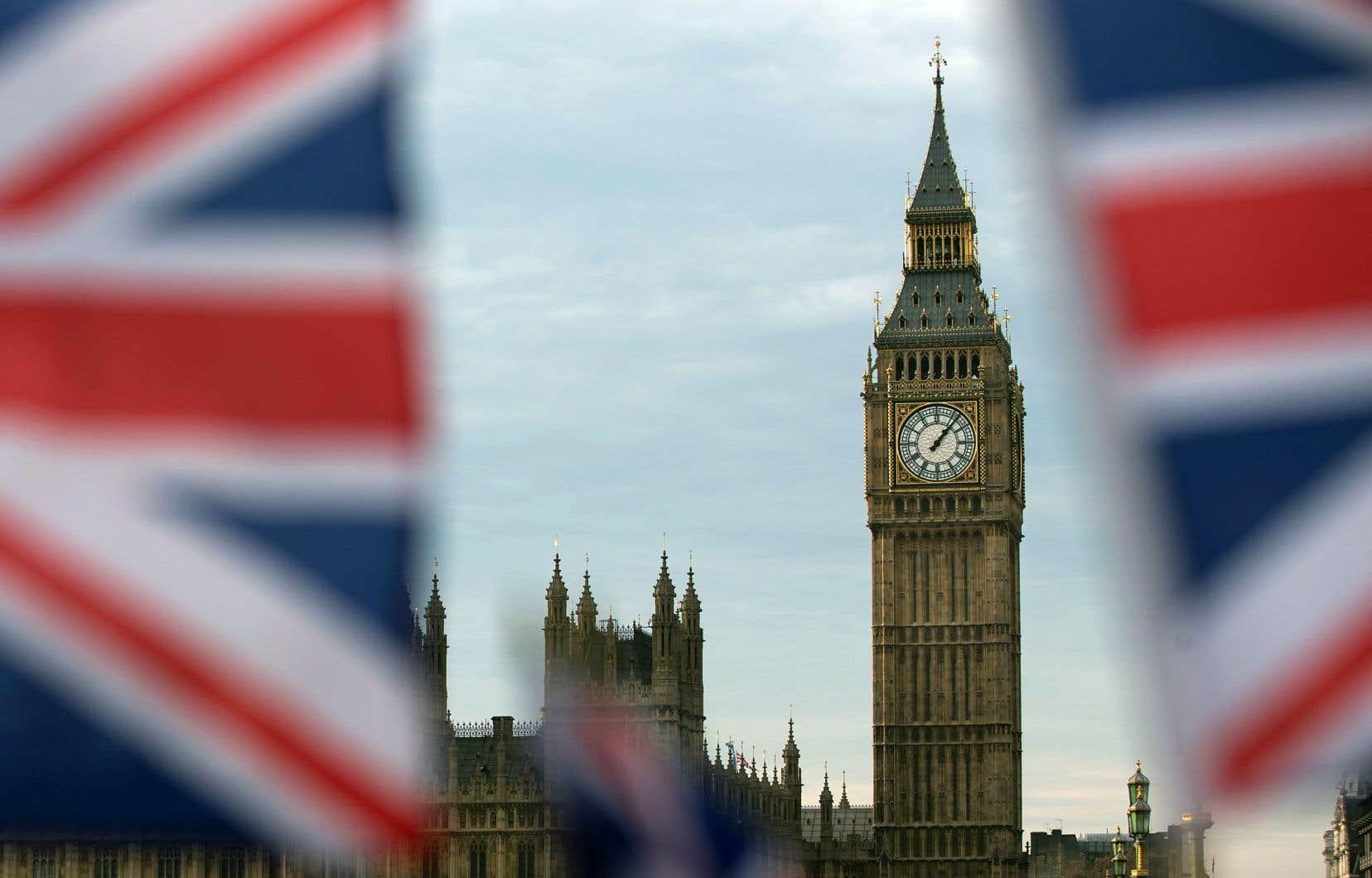 L'appui au Brexit est particulièrement venu des zones où l'économie se portait mal, où les revenus, les niveaux d'éducation et de satisfaction dans la vie étaient faibles et où la population se faisait vieillissante.