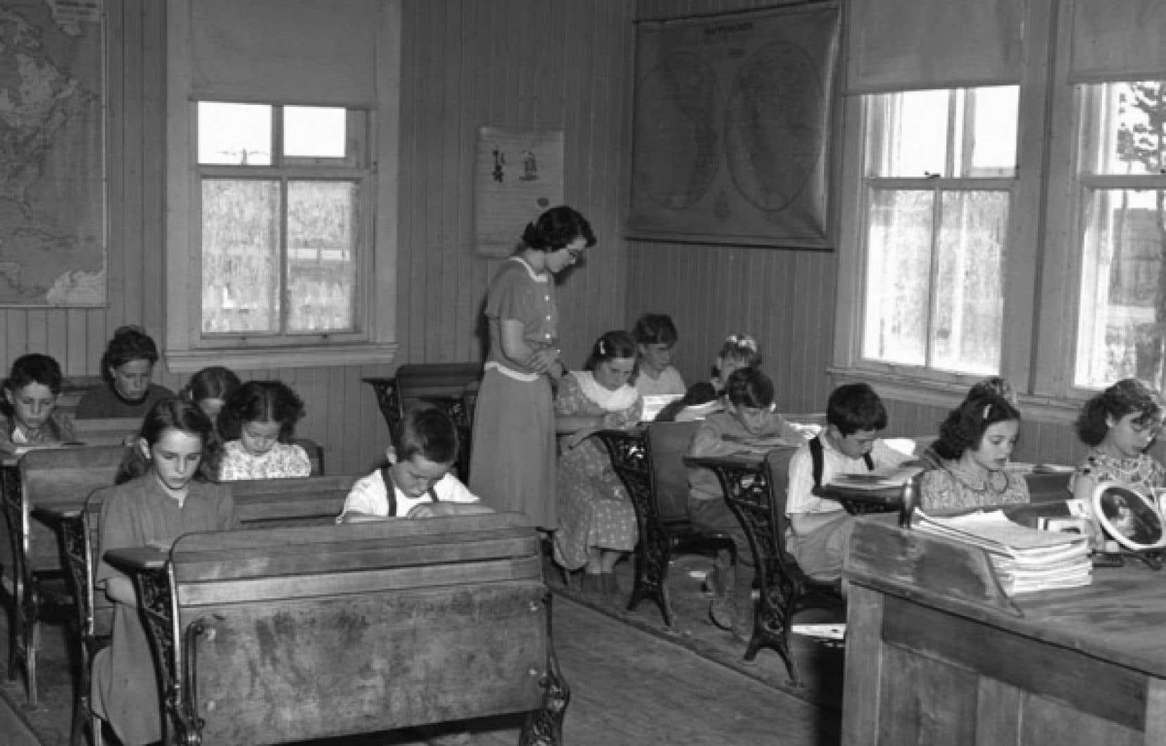 Quelque 4000 écoles de rang coloraient toujours le paysage québécois dans les années 1940.
