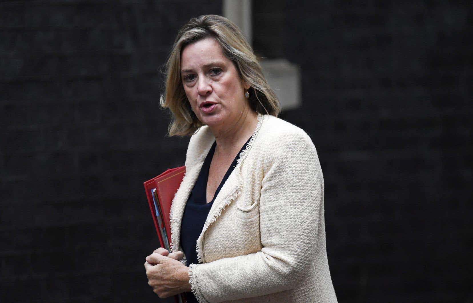 La ministre britannique du Travail, Amber Rudd, a annoncé sa démission samedi.