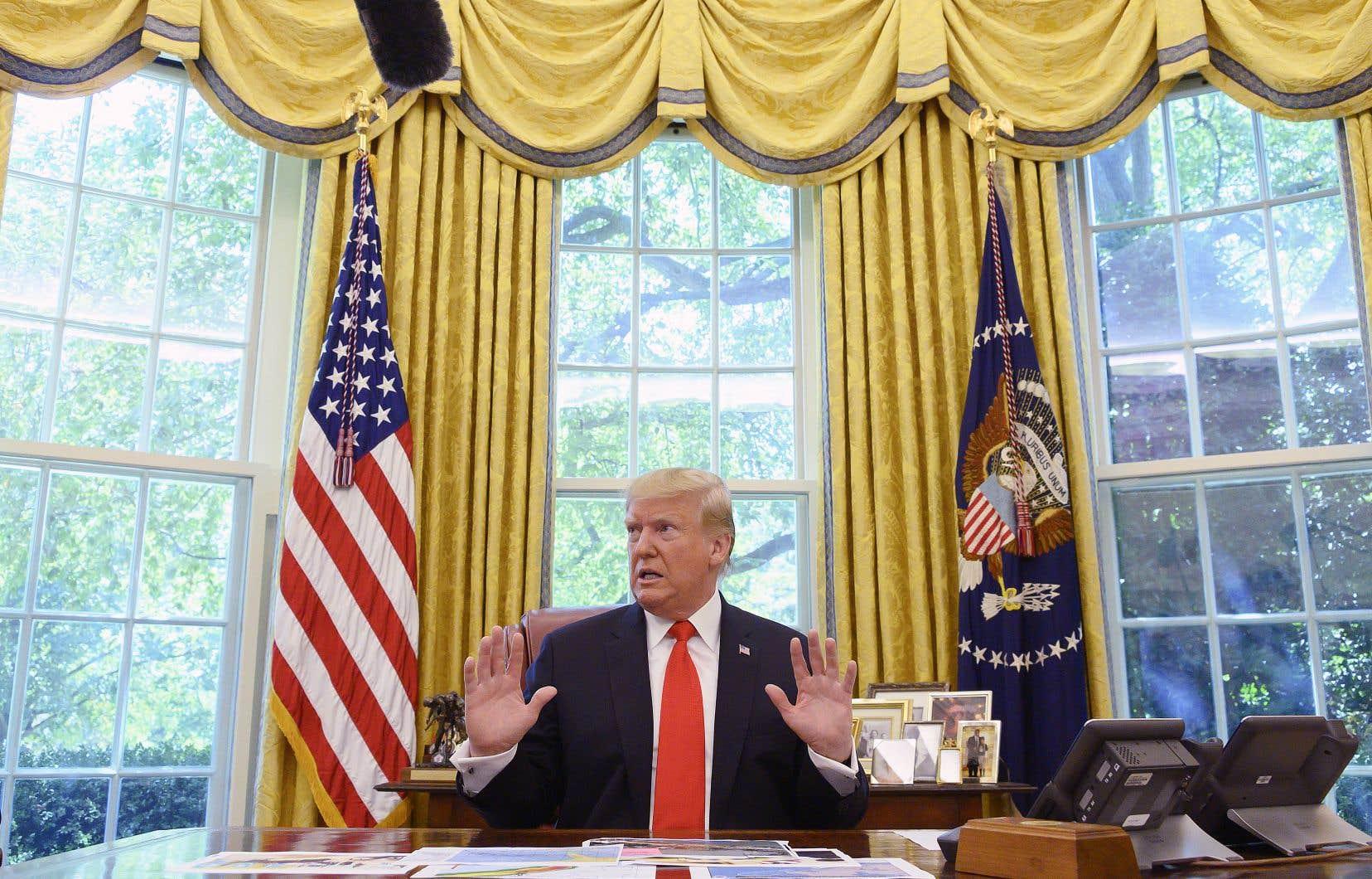 Le président américain avait créé la surprise samedi soir en dévoilant avoir organisé une réunion, prévue dimanche, avec son homologue afghan et les chefs des talibans, mais il a, sur Twitter, annulé à la fois cette rencontre et les pourparlers.