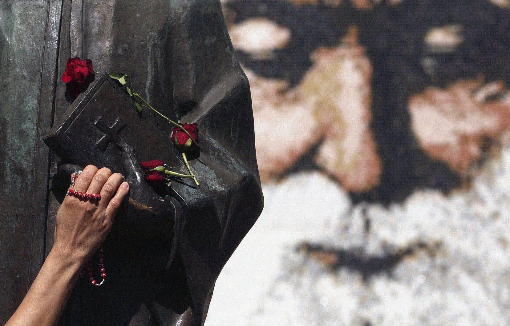 Depuis sa mort en 1898, saint Charbel aurait fait plus de 29000 miracles.