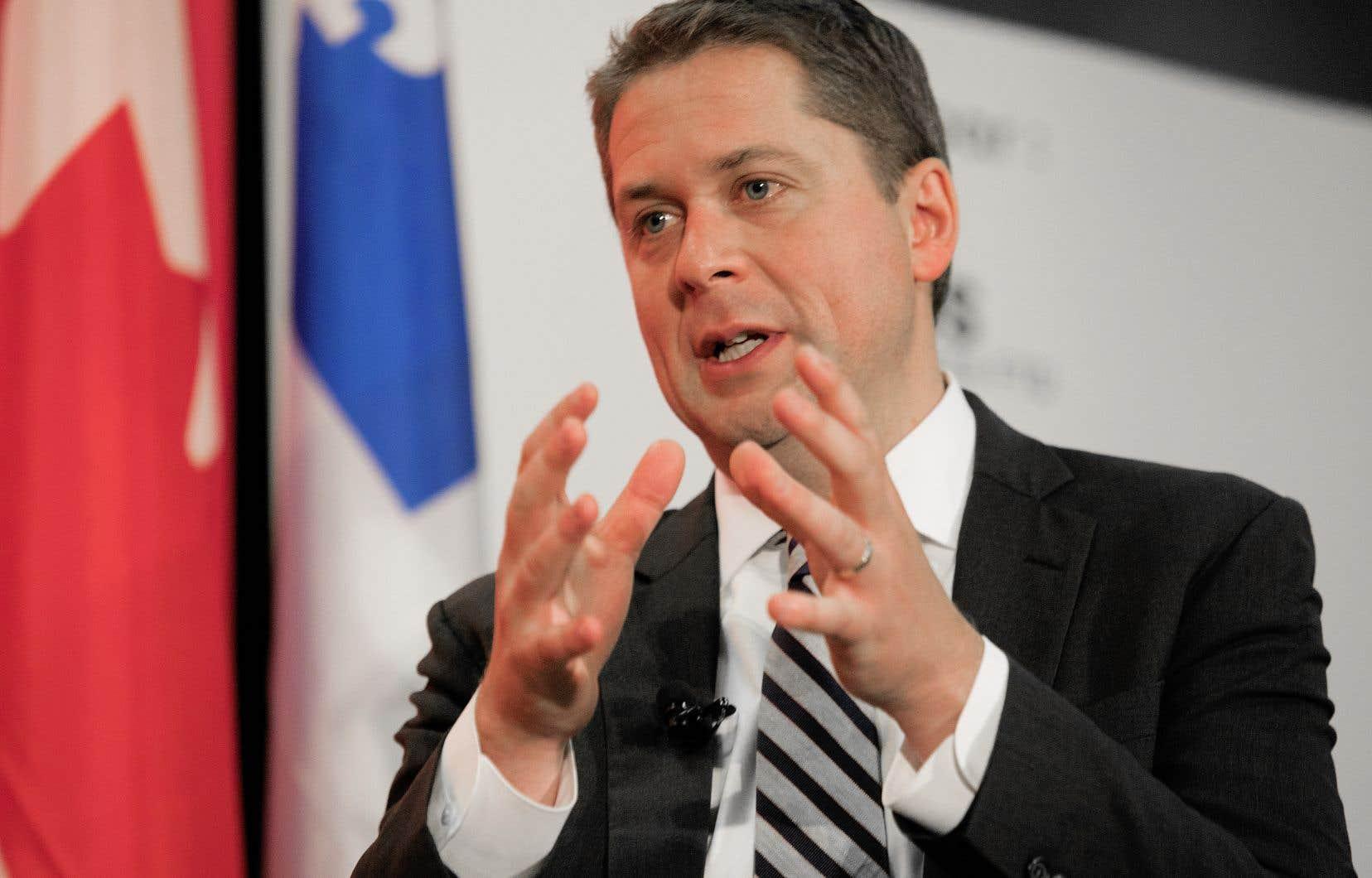 Les conservateurs ont choisi de démarrer leur tournée du pays à Trois-Rivières, mercredi midi.