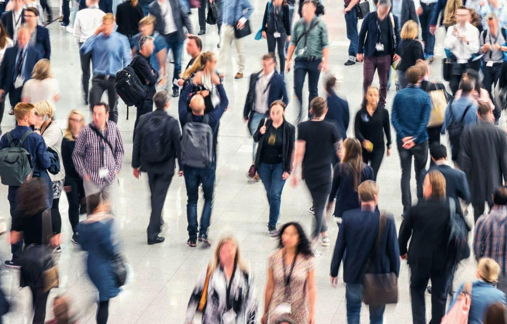 En avril, l'OCDE évoquait un appauvrissement relatif de la classe moyenne avec la stagnation de ses revenus et l'augmentation du prix des maisons, des coûts d'éducation et de santé et de nombreux autres biens et services.