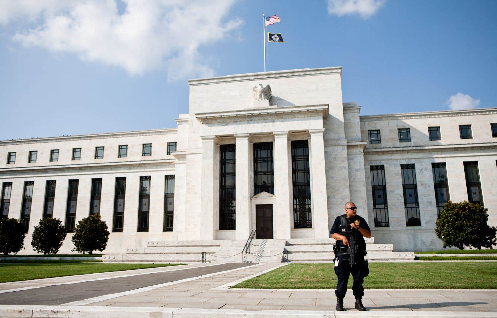 Qualifiés de «crétins» par Donald Trump, les dirigeants de la Fed privilégient des taux faibles, plutôt que négatifs.