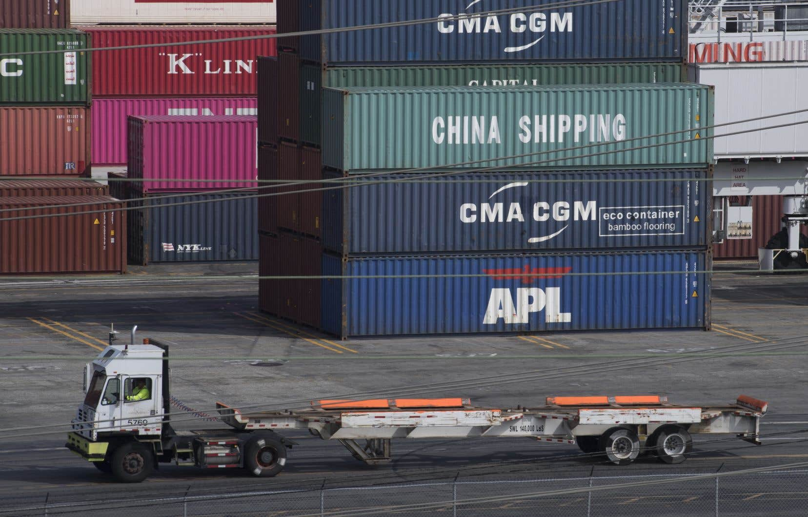 La guerre commerciale entre les deux puissances économiques, qui ralentit la croissance mondiale, affecte de plus en plus l'économie chinoise.