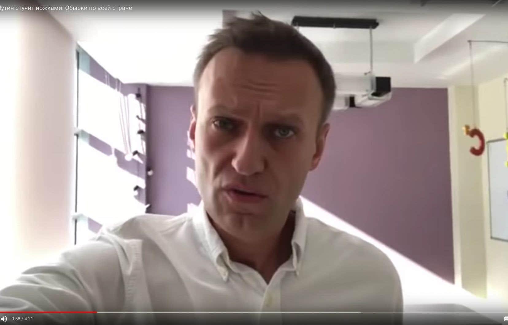 Alexeï Navalny est apparu sur YouTube, les traits tirés, dans une vidéo faite à la hâte sur son téléphone portable.