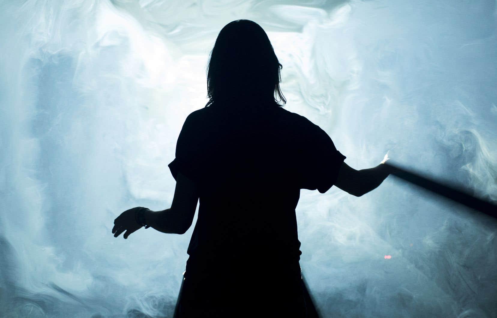 L'installation interactive «MOON», de Daniel Iregui, invite à jouer et à contrôler un halo de lumière lunaire.