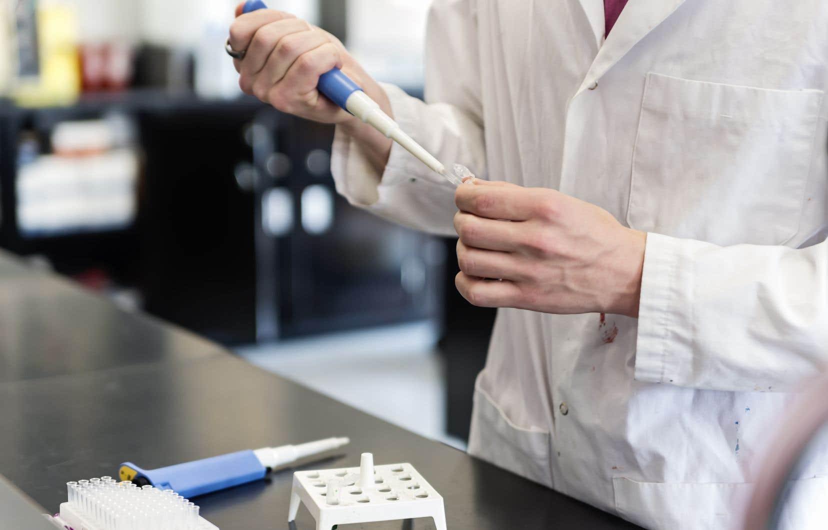 «Pour la majorité des gens, le sarrau blanc porté par un homme en est donc venu à symboliser le travail de tous les scientifiques», note l'auteur.