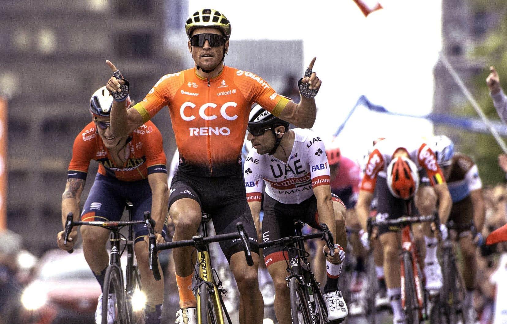 Le Belge Greg van Avermaet (au centre) a été le plus rapide sur le circuit du mont Royal, dimanche.