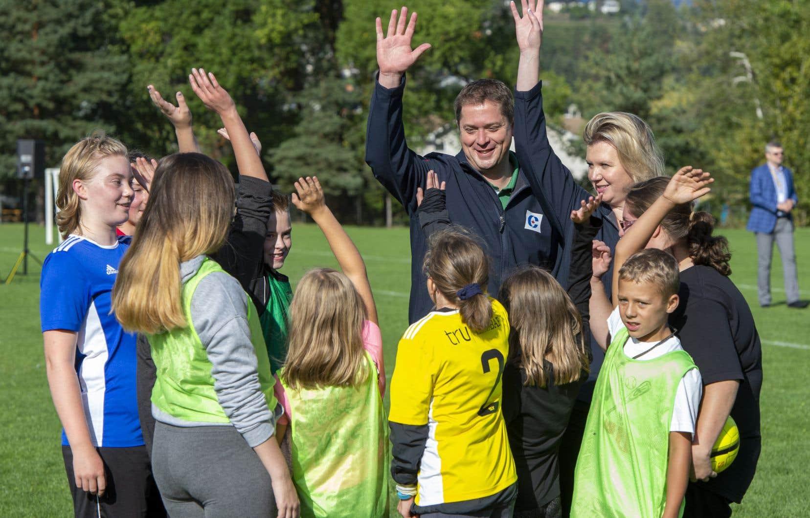 Andrew Scheers'engage donc à instaurer un crédit d'impôt remboursable de 1000$ par année pour les activités sportives des enfants, 500$ de plus si l'enfant souffre d'un handicap.
