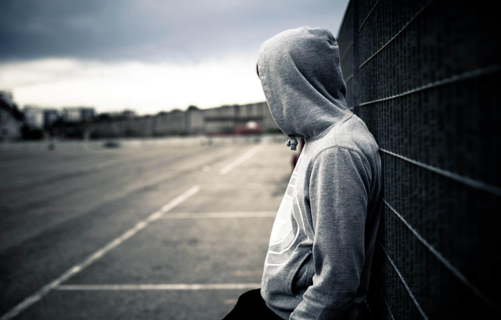 On sait maintenant que la dépression procède non seulement de facteurs biologiques, mais aussi psychologiques et sociaux.