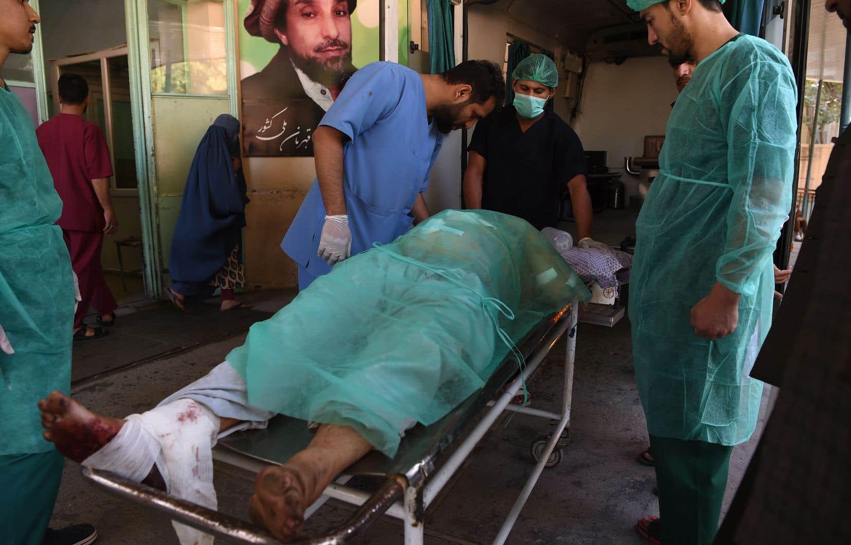 Les talibans ont revendiqué les deux attaques, rappelant avoir sommé la population de ne pas participer aux rassemblements électoraux en vue de la présidentielle du 28 septembre.