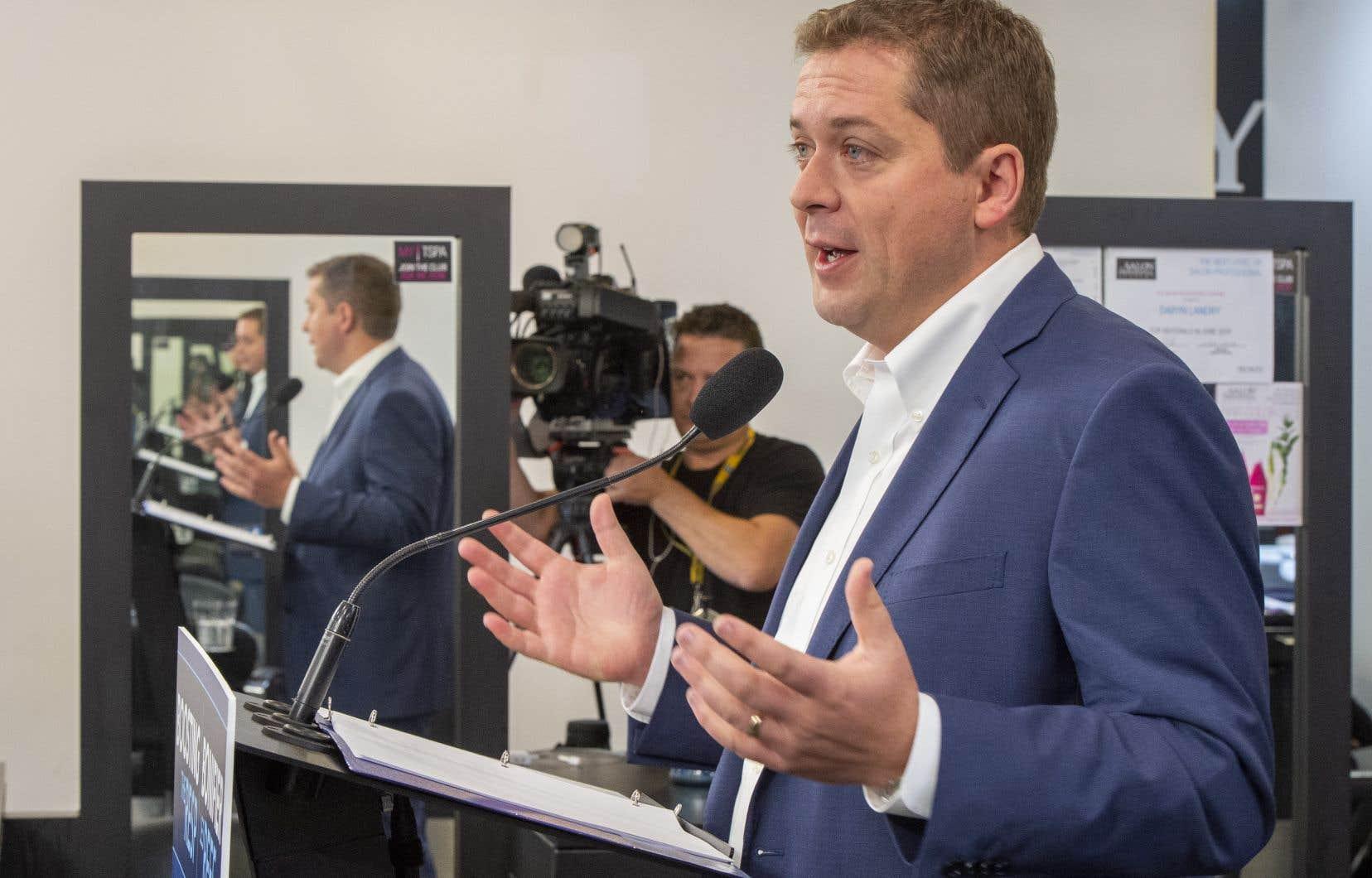Mardi matin à Winnipeg, Andrew Scheer promettait d'augmenter la contribution du gouvernement fédéral aux Régimes enregistrés d'épargne-étude (REEE).