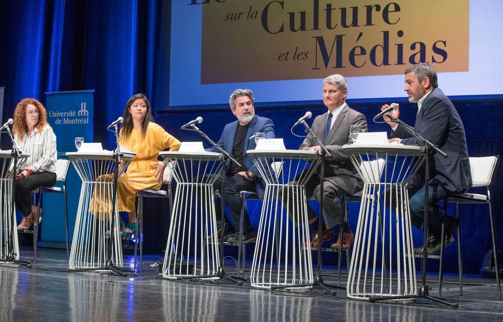 De gauche à droite: Monique Pauzé (Bloc québécois), Chu Ahn Pham (Nouveau Parti démocratique), Pablo Rodriguez (Parti libéral du Canada), Gérard Deltell (Parti conservateur) et Pierre Nantel (Parti vert).