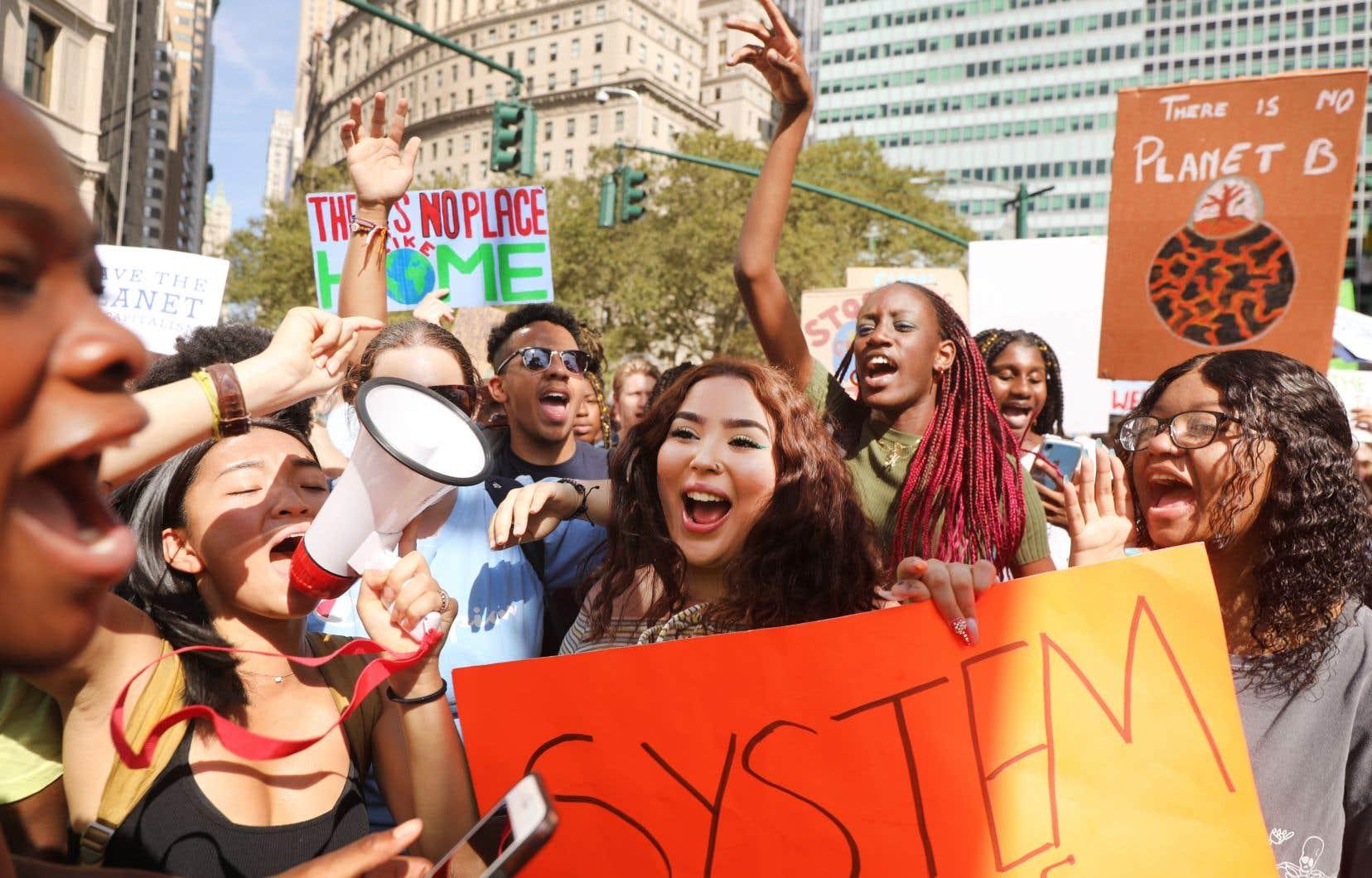 Vendredi, d'un bout à l'autre de la Terre, des masses de jeunes ont manifesté dans 160 pays et plus de 5000 villespour implorer les dirigeants mondiaux de faire leurs devoirs sur le climat.